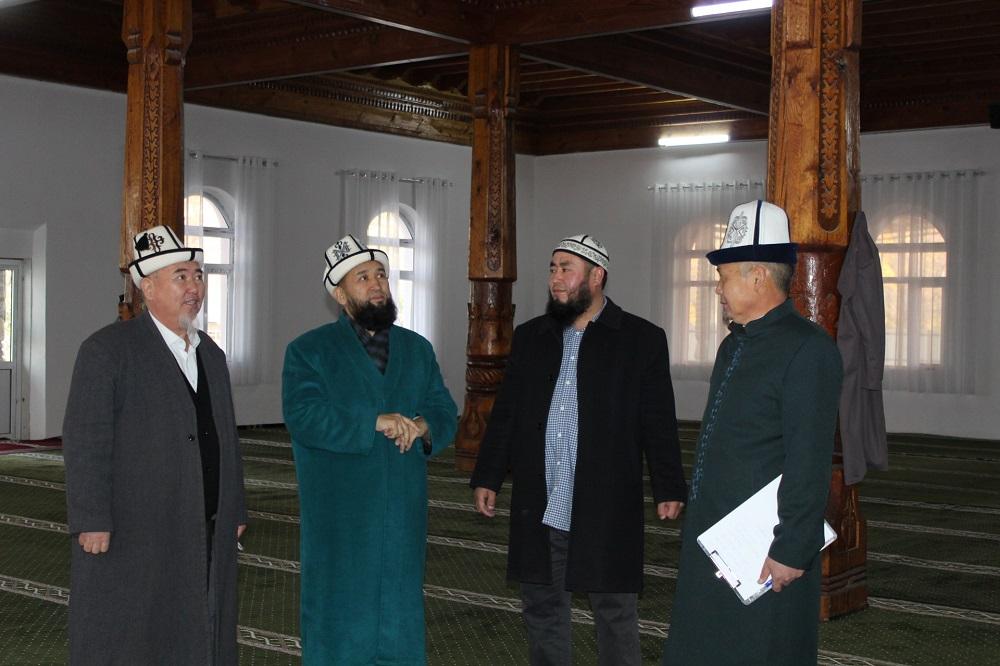 Азирети Муфтий Максатбек ажы Токтомушев Баткен шаарынын борбордук «Нумани» мечитин зыярат кылды
