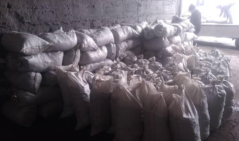 Токмок шаардык хатибияты ишкерлер жана шаар тургундары менен биргеликте муктаждарга 7 тонна көмүр таратып, майыптар үйүнө ысык тамак уюштурушту