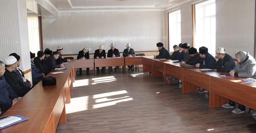 Ош облусундагы диний окуу жайлардын мүдүрлөрүнө жаңы кодекстер боюнча түшүндүрүү иштери жүргүзүлдү