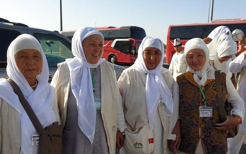 Баткен облусунан барган ажылар Пайгамбарыбыз (с.а.в) басып өткөн жерлерге,тарыхыйжайларга зыярат кылышты