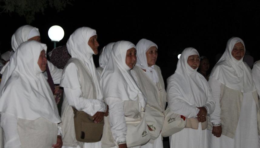 Баткен облусу боюнча ажылардын алгачкы тобу Ош-Медина багыты боюнча Медина шаарына учуп кетишти