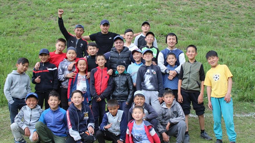 Нарын казыяты 100 окуучуга жайкы лагерин уюштурду