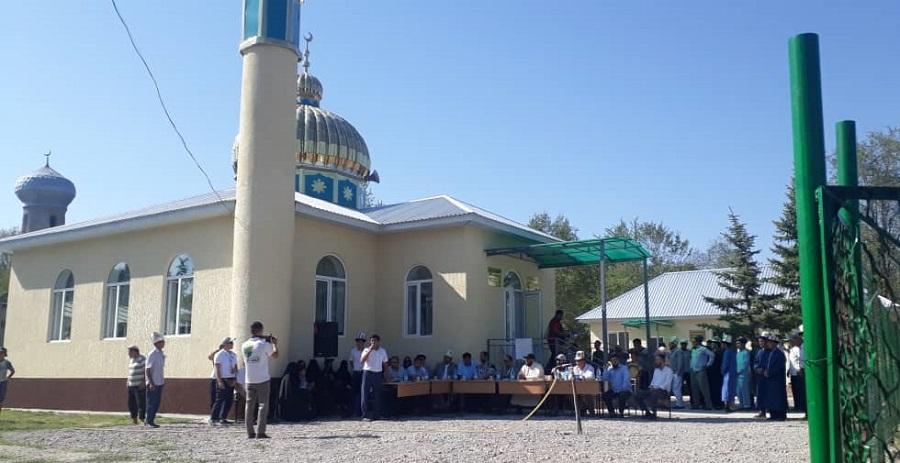 Жайыл айылында 260 орундуу мечит элге кызматка берилди