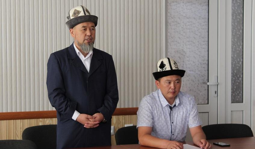 Ош облусунун казысы Самидин кары Атабаев диний окуу жайлардын мүдүрлөрү менен жолугушууларды өткөрдү