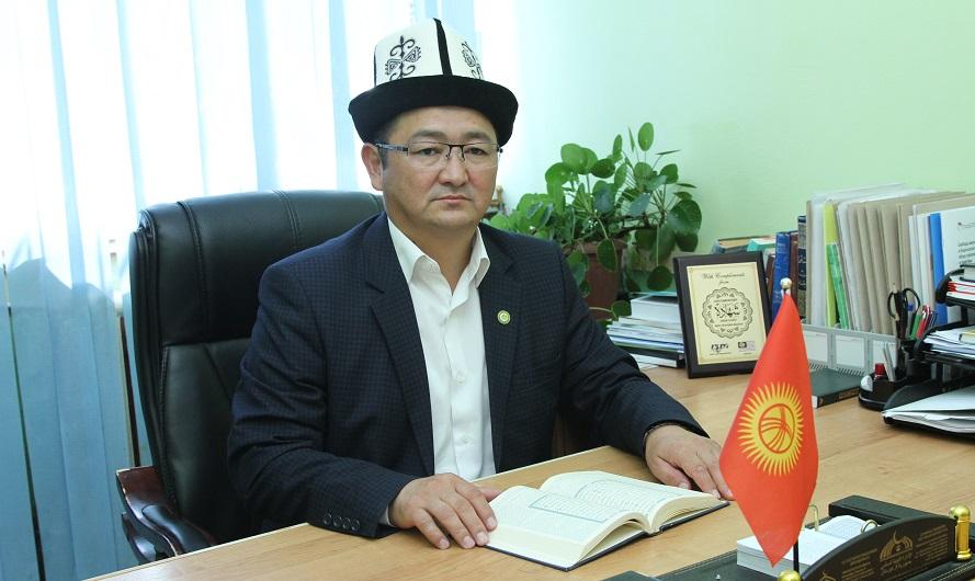 Ысык-Көл облусунун казысы Алмазбек ажы Сагындыков Каракол шаарынын имамдардын ишмердүүлүгүнөн кабар алды