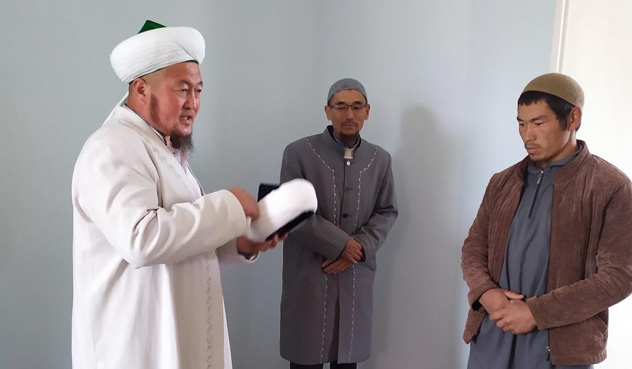 Ак-Талаа районунун Ак-Тал айылында жаңы имам дайындалды