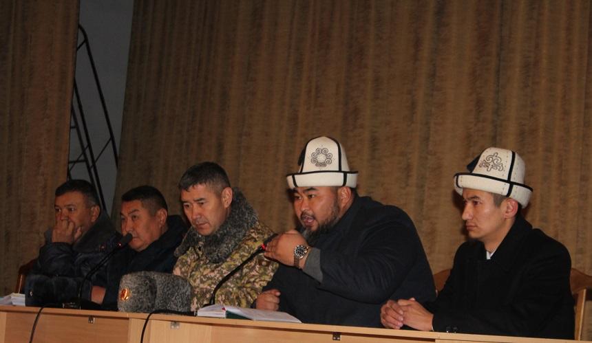 """Ош шаарынын мусулмандар казысынын орун басары Мирланбек ажы Токтомушов жоокерлерге """"Суициддин алдын алуу"""" деген темада баяндамасын жасады"""