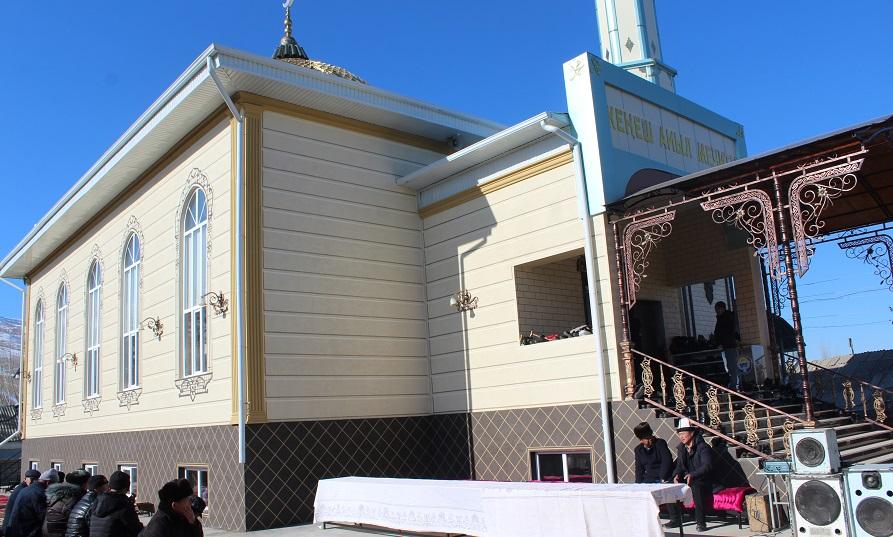 Кара-Кулжа районунда эки кабаттуу 760 орундуу мечиттин ачылыш аземи болду
