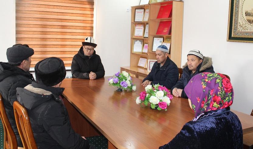 Жалал-Абад облусунун казысы Абдулазиз кары Закиров умра сапарына баруучуларга жыйын өттү