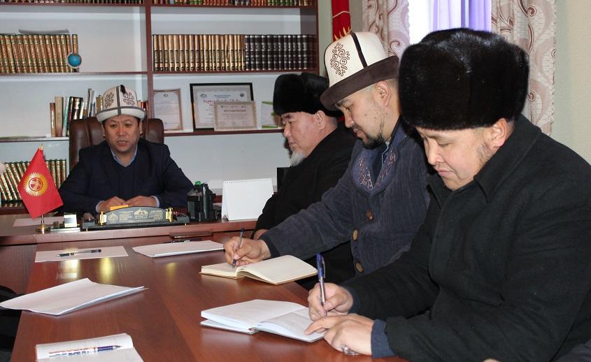 Азирети Муфтийинин орун басары Жоробай ажы Шергазыев Баткен облусунда дин кызматкерлерине жыйын өткөрдү