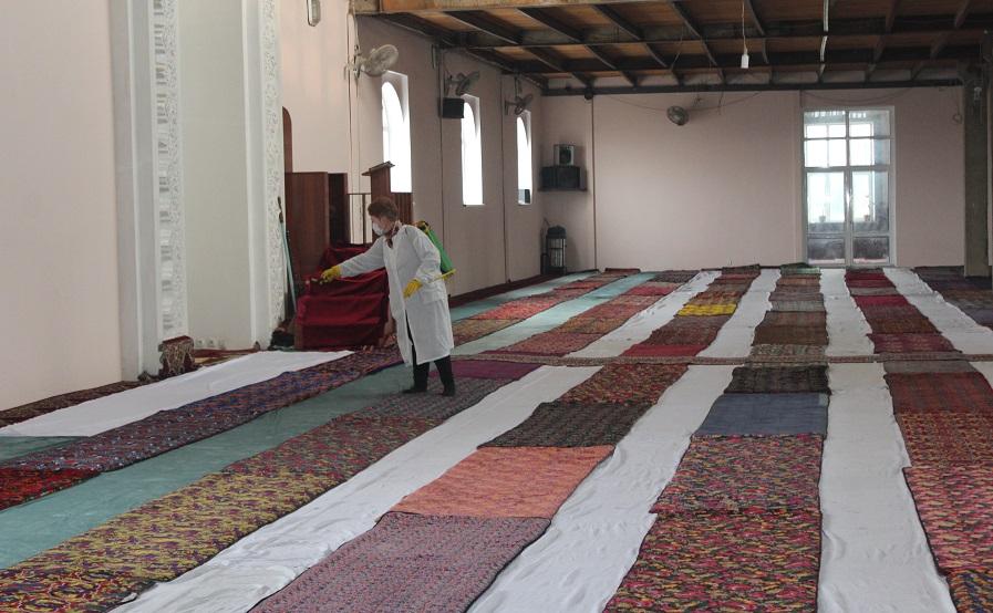 Жалал-Абад шаарындагы мечиттер дезинфекцияланды