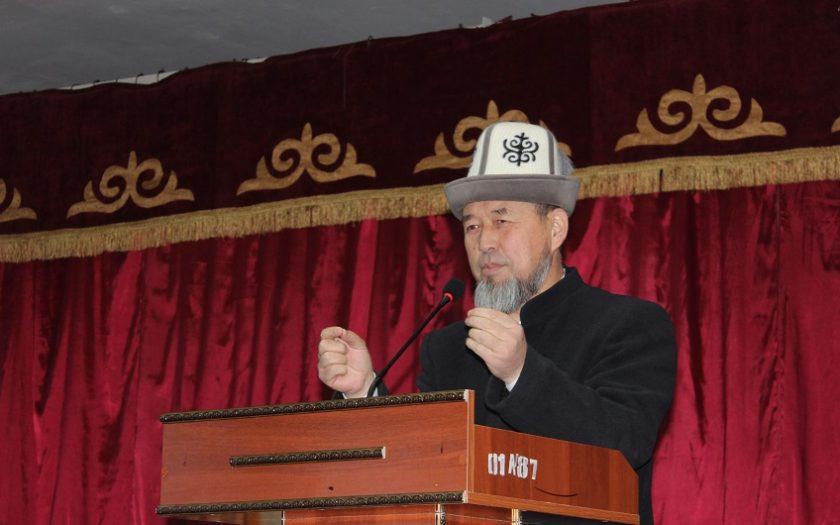 Ош облусунун мусулмандар казысы Самидин кары Атабаев элибизди Орозо Айт менен куттуктады