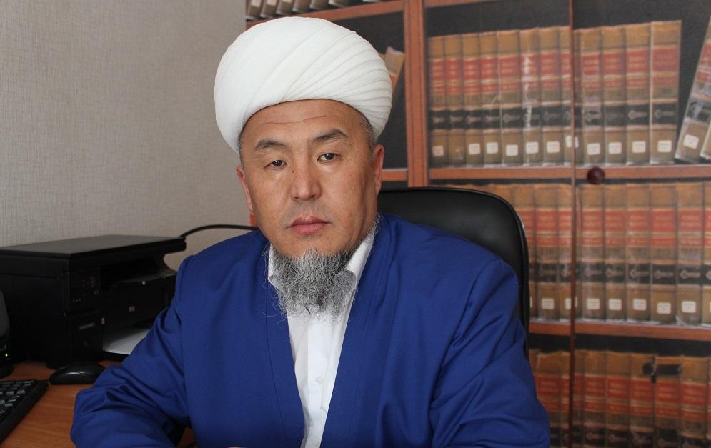 Ош шаарынын мусулмандар казысы Убайдулла ажы Сарыбаев: «Орозо — сабырдын жарымы»  бул айда сабырдуу болуубуз талап кылынат