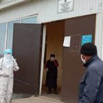 Жумгалдын Куйручук айылынын имамы өзү жалгыз дезинфекциялоо иштерин жүргүздү