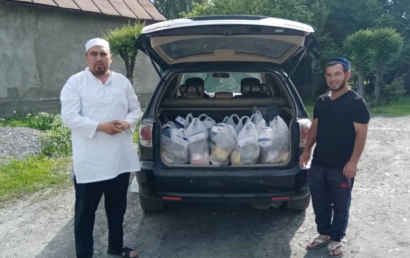 Кара-Балта шаарындагы «Достук» мечитинин жааматы муктаж 235 үй-бүлөгө азык-түлүк жеткирип берди