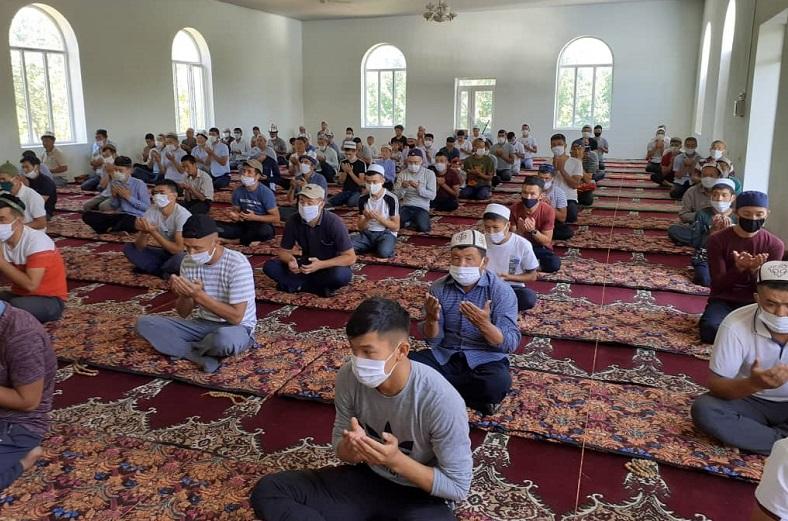 Нурдин ажы Мамасабиров: Санитардык эрежелерди сактоодо мечиттер үлгү болушу керек