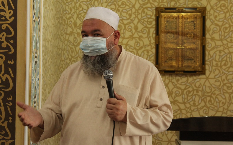 Бишкек шаарынын казысы Садридин ажы Маджитов мечиттерде санитардык талаптардын канчалык сакталганын жеринен таанышты