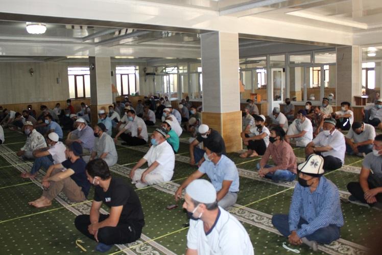 Ош облусунун борбордук мечитинде Муфтият көрсөткөн талаптар так сакталды