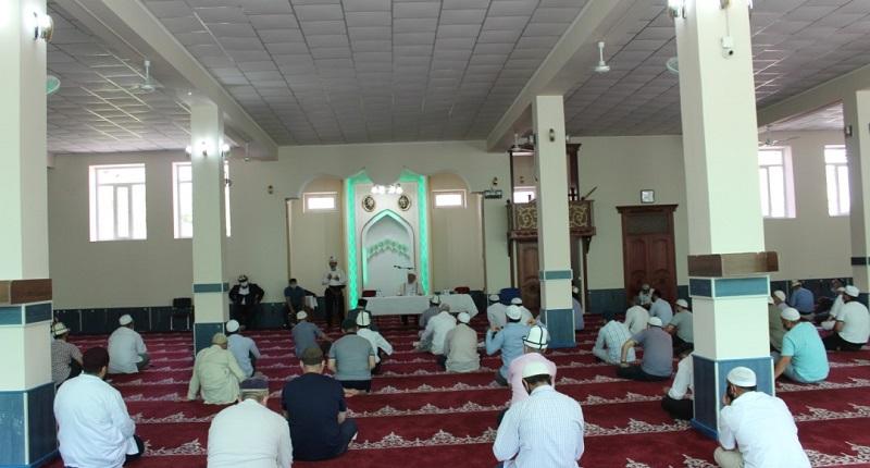 Мечиттердин ачылуусуна карата Ош шаарынын имамдарына түшүндүрүү иштери жүргүзүлдү