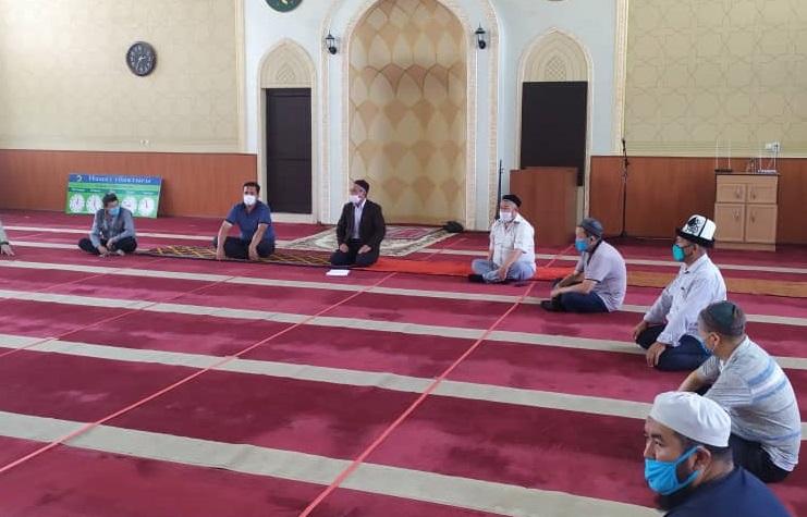 Кызыл-Кыя шаарынын баш имамы шаардагы имамдарга бир катар тапшырмаларды берди