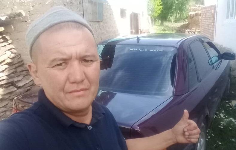 Ак-Сууда Маман айылынын жаштары имамга автоунаа белек кылышты