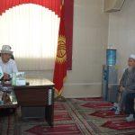 Жаңы дайындалган Бишкек шаарынын  казысы Замир каары Ракиев казыяттын  эмгек жамааты менен жолугушту