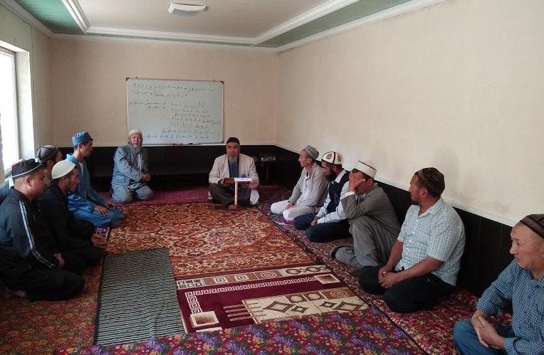 Майлуу-Суу шаарынын имамдары ишембиликке чыгышат