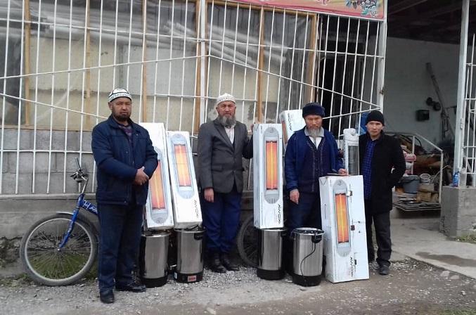 """Аксы районундагы «Ак-Дөбө"""" мечитинин арыгы калыбына келип, имамдарга электр жылыткычтары таратылды"""