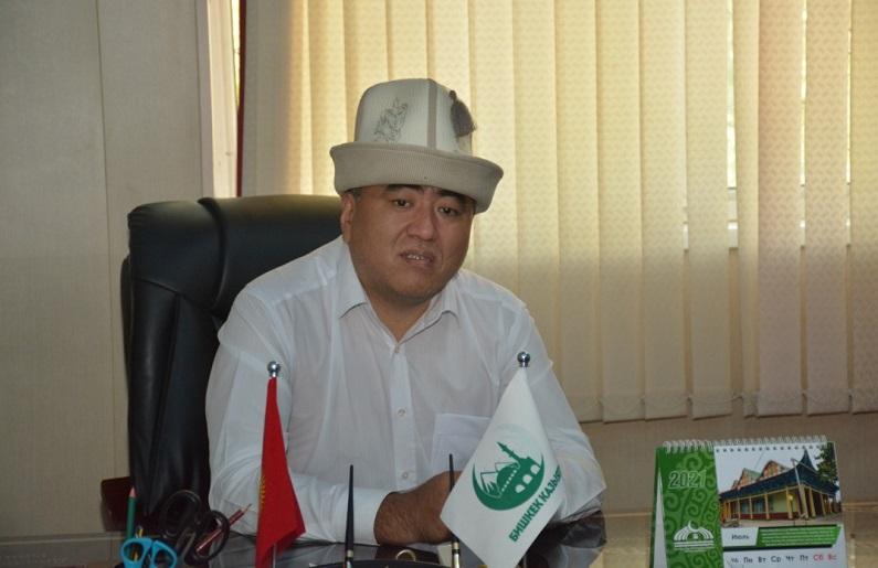 Бишкек шаарынын казысы Замир кары Ракиев мечиттерде санитардык талаптарды так сактоодо дин кызматкерлерине тийишттүү тапшырмаларды берди