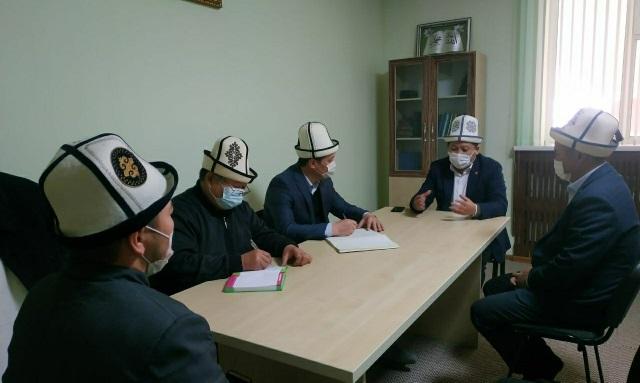 Азирети Муфтийдин орун басары Жоробай ажы Шергазыев Нарын облустук казыятынын ишмердүүлүгүнөн кабар алды