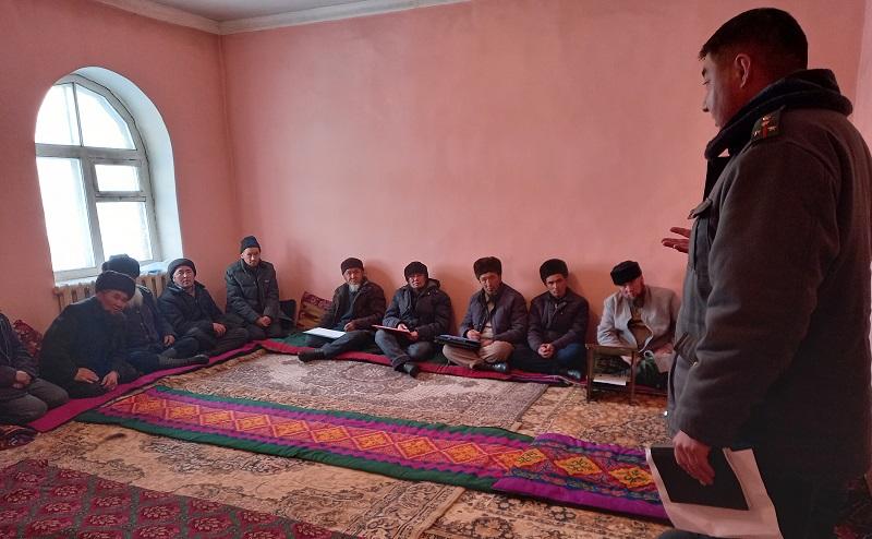 Чоң-Алайда ИИМдин өкүлдөрүнүн катышуусунда мечит имамдарына жыйын болду