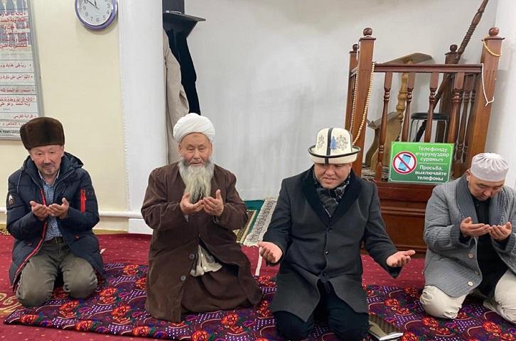 Бишкек шаарынын казысы Ленин районунун имамдары менен жолугушту