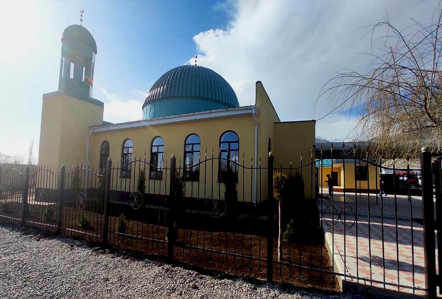 Ысык-Көл облусунун  Кашат айылына курулган жаңы мечит эл кызматына берилди