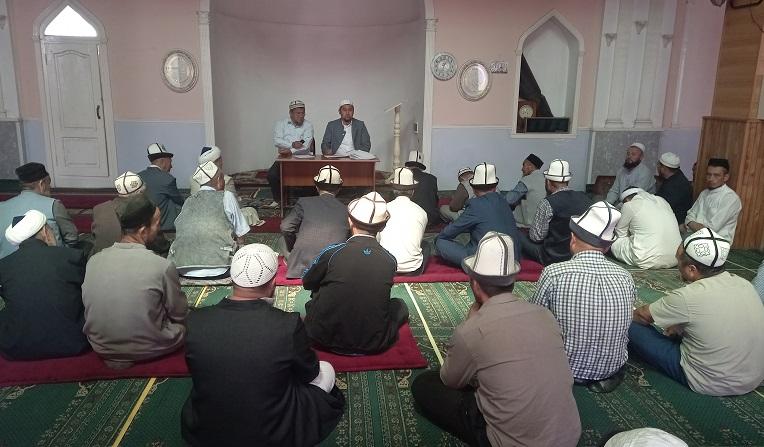 Ноокат районунда мечит имамдарына жыйын болуп, бир катар тапшырмалар берилди