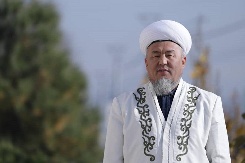 Ош шаарынын казысы Убайдулла ажы Сарыбаевдин Курман айт майрамына карата куттуктоосу