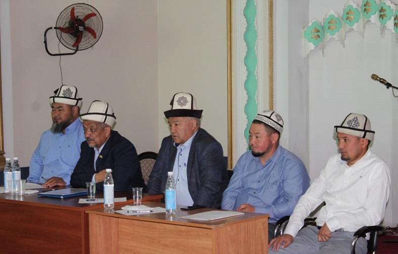БТКнын төрагасы Бакыт ажы Нурдинов Ош шаарынын дин кызматкерлери менен жолукту