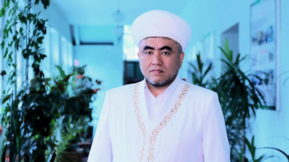 Азирети Муфтий Замир кары Ракиев: Эне тилибиздин кадыр-баркын өстүрүү  башкы милдетибиз