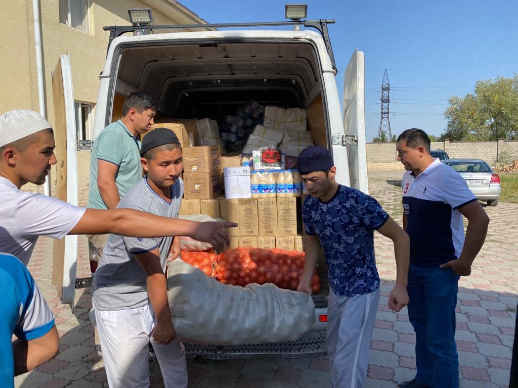 Бишкек шаардык мусулмандар казыятынын демилгеси менен шаардагы медреселерге 300 000 сомдук тамак-аш таркатылды