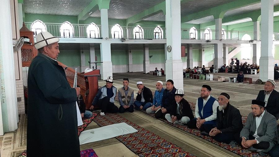 Аравандагы имамдарга инвентаризациялоо ишин тездетүү тапшырмасы берилди